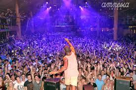 Buli Ibiza szórakozóhelyein