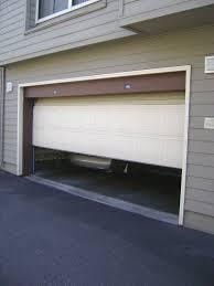Vegye a hazait garázskapuból is!