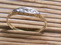 Eljegyzésre való arany gyűrű