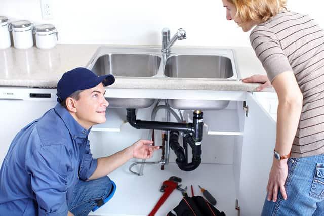 Információ gyűjtés a vízszerelő kihívása előtt